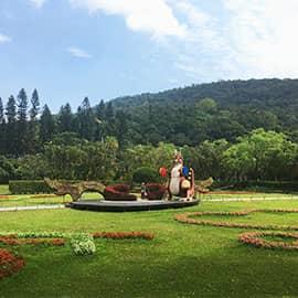 台北士林官邸位于台北市士林区福林路,早期属日本占领时代总督府园艺所用地,  后来成为蒋介石在台湾的住处,也是台北市第一座生态公园。