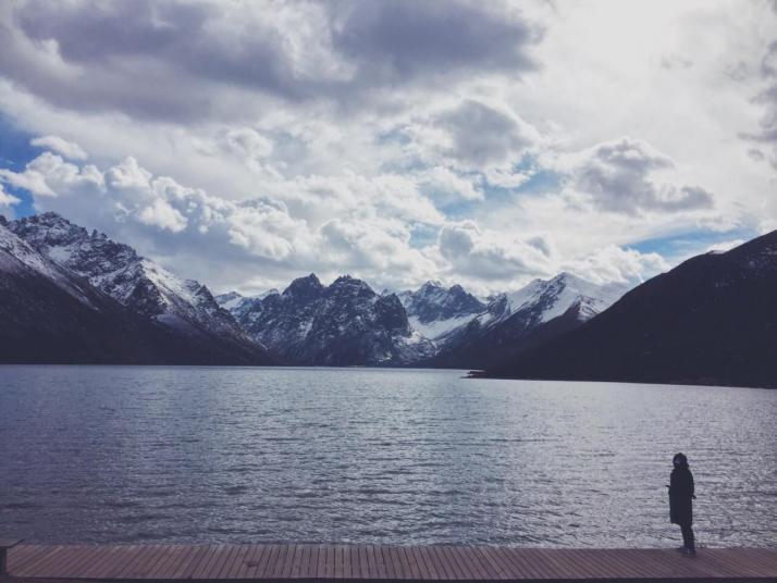 年保玉则,年宝玉则是我这些年来,去过的风景个人最喜欢的地方了。虽然没去过瑞士,但是看照片,国内可以与瑞士媲美的地方非年宝不可。