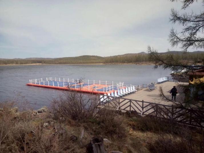 阿尔山杜鹃湖
