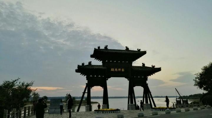 窑湾古镇,这里离徐州很近,有大巴车。大概一个小时就到了。很有历史感的地方,可以买套票。因为有很多纪念馆,可以了解这里的历史。而且游客少可以拍到很多没有群众的照片。