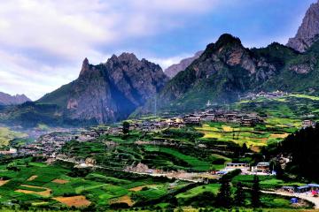 西安出发川西甘南6日自驾游:达古冰山+扎尕那+藏式风情体验+最美草原观光路自驾六日