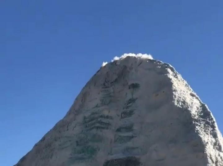 冈仁波齐神山