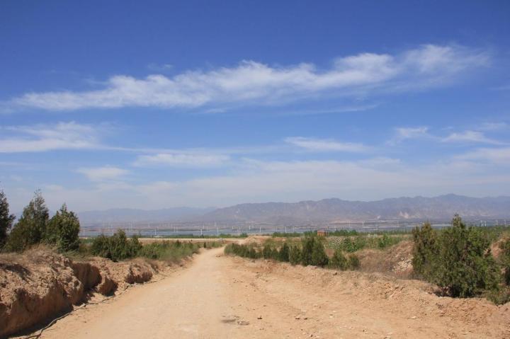 怀来天漠,怀来天漠是非常有特色的地方,很多电影都在此拍摄,最有名的《龙门飞甲》,《龙门客栈》这两部电影,怀来天漠门票35元,如果想玩其他项目需要自费。