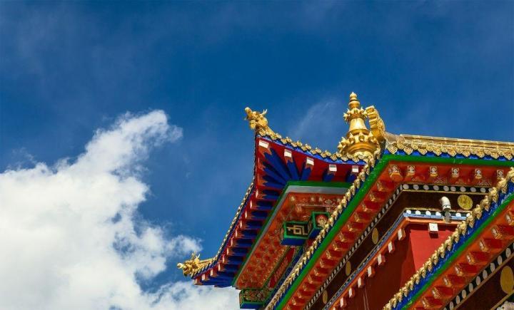 结古寺,结古寺是结古镇最高点,站在结古寺的,能够俯瞰整个结古镇,气势恢宏,有种一览众山小的大气之感。来到结古镇一定要去结古寺看看。