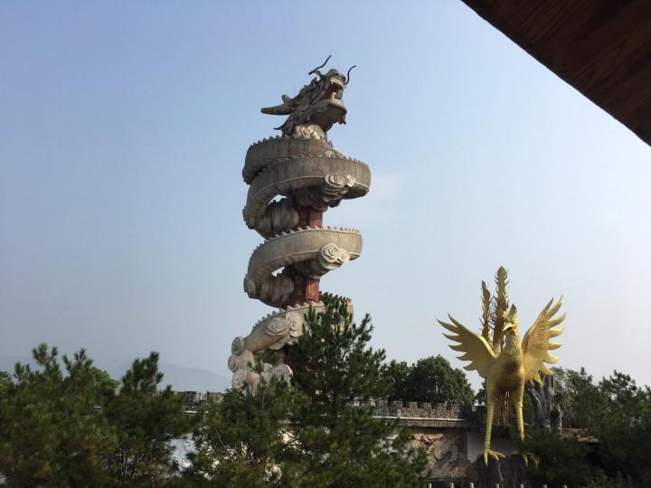 """五千年文博园,五千年文博园门票分两期:一期120,二期100。五千年文博园位于安徽安庆境内,景区以""""中华文化主题公园""""为目标,旨在传承发展根雕文化、弘扬民间根雕艺术、拓展根雕艺术展示平台。"""