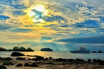 粤西自驾,湛江硇洲岛赶海活动,体验水上运动皮划艇-金沙湾海滩3日自驾游