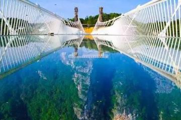 中山出发韶关3日自驾游:英德仙桥地下河、乳源大峡谷、挑战玻璃桥通天梯3天自驾游