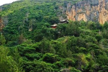 郑州出发湖北神农架5日自驾游:云海飞瀑,山水绝境原始森林穿越5日精品自驾之旅