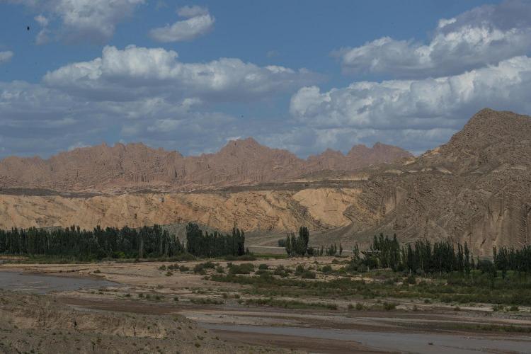新疆自驾游经典线路