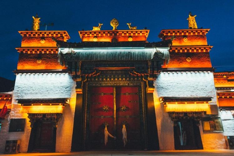 自驾游西藏费用准备多少合适?