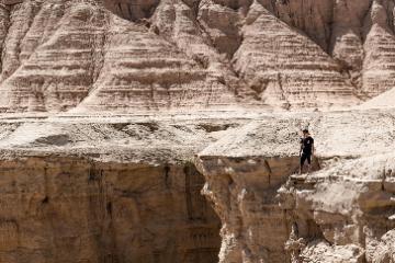 乌鲁木齐集合新疆8日落地自驾游:那拉提大草原-巴音布鲁克大草原-天山神秘大峡谷-库木塔格沙漠-吐鲁番8日自驾游
