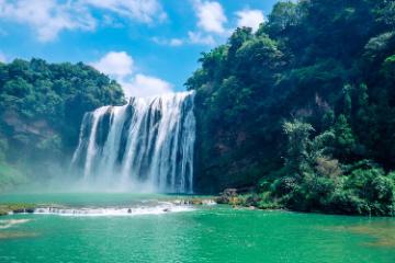西安出发黔西南7日自驾游:黄果树瀑布-万峰林-马岭河大峡谷7日贵州之旅