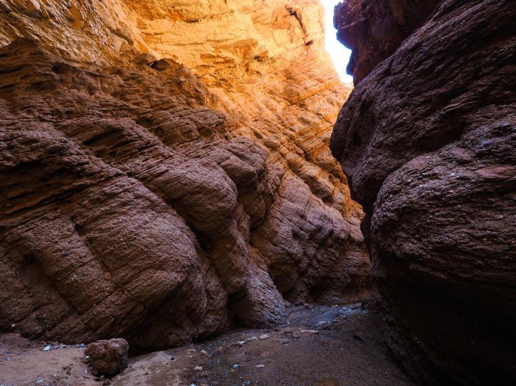比起我心中预想的景区要好看得多,体现了西部荒凉而险峻的峡谷。来一趟要花两个多小时。去的时候游客不算太多,非常适合拍照和观赏。但越是往里走,越是觉得疲劳。没有见过大峡谷的人,值得一见
