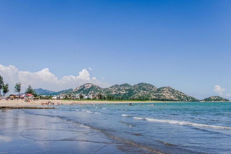 想去人少的海滩?浪琴湾怎么样?