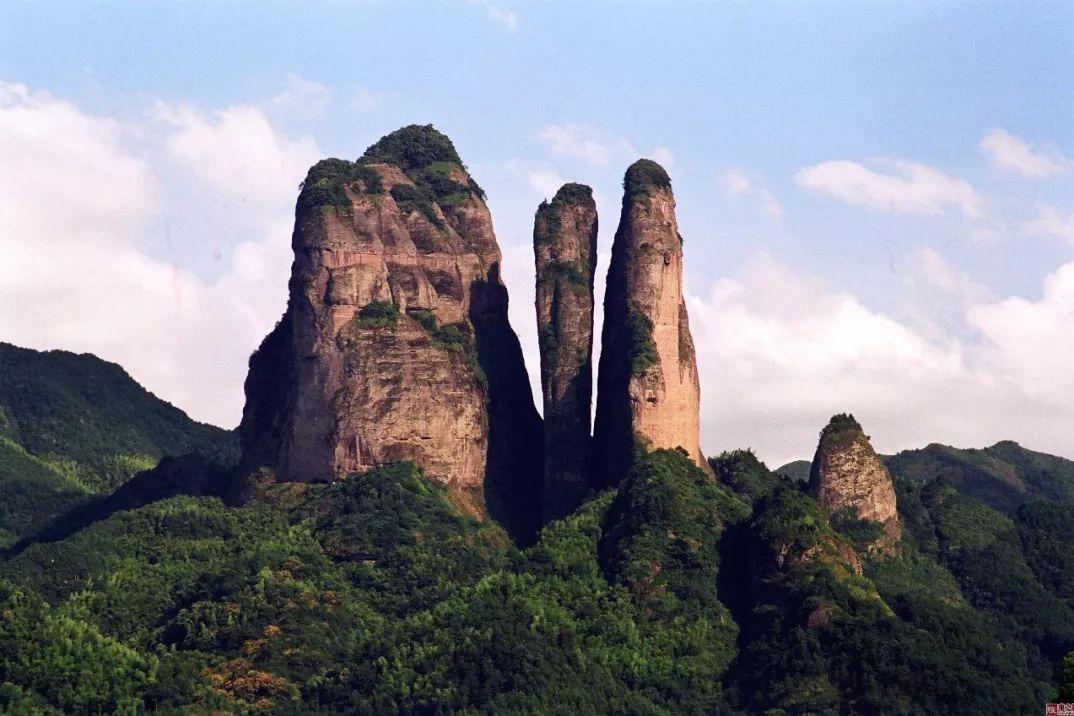 衢州「江郎山」是一个什么景点,有哪些吸引人的地方和游览建议?