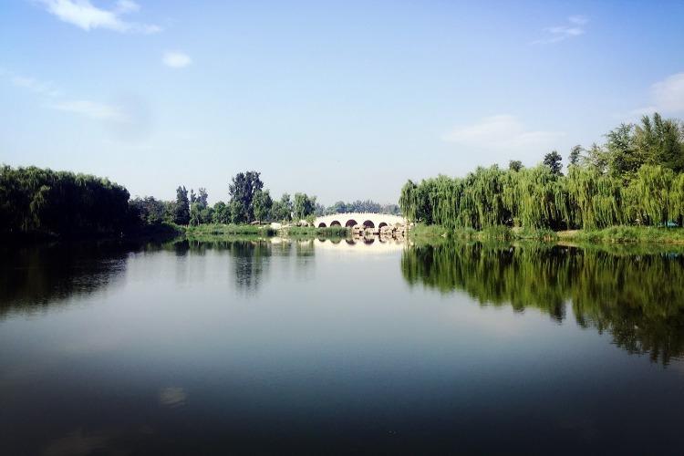 山西著名旅游景点-晋祠公园,花美水清,历史悠久