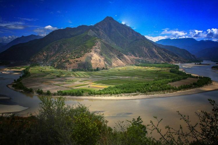 沿国道自驾游,遇见的怒江大峡谷景致